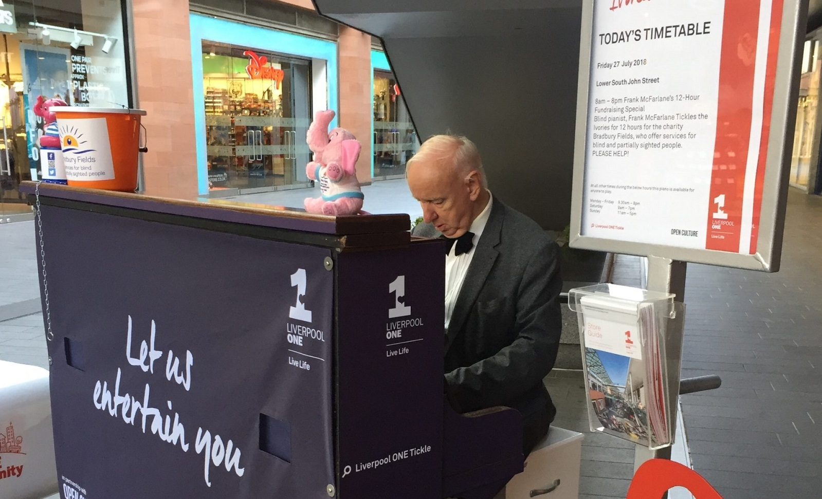 http://Frank%20playing%20the%20piano%20in%20Liverpool%20One